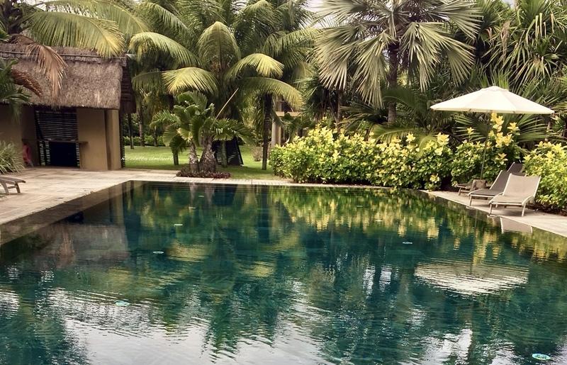 Crescent private pool Trou aux Biches