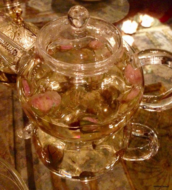 Rose tea at the Sultan's Lounge